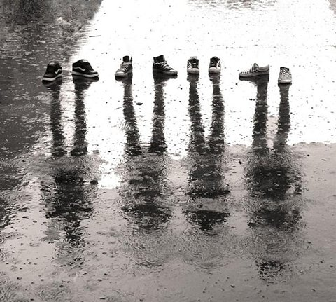 Shoes_and_rain